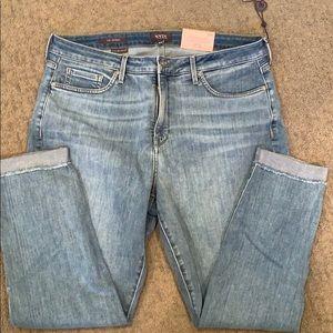 Bloomingdales NYDJ Skinny ankle jeans w/ cuff